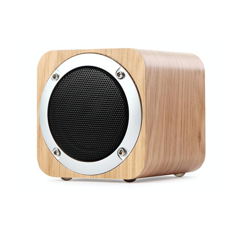 Snygg bluetooth högtalare i trä design fe2666616fb86